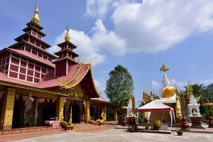 Wat-Phothisat-Banphot-Nimit-Kanchanaburi-Thailand-02.jpg