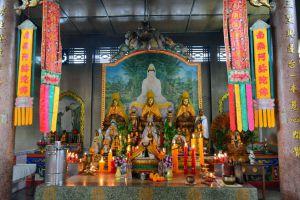 Wat-Phothisatto-Chaomae-Kuan-Im-Betong-Yala-Thailand-01.jpg