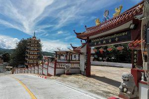 Wat-Phothisatto-Chaomae-Kuan-Im-Betong-Yala-Thailand-04.jpg