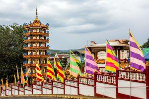 Wat-Phothisatto-Chaomae-Kuan-Im-Betong-Yala-Thailand-06.jpg