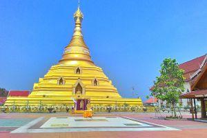 Wat-Phra-Borommathat-Chediyaram-Kamphaengphet-Thailand-01.jpg
