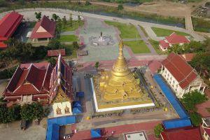 Wat-Phra-Borommathat-Chediyaram-Kamphaengphet-Thailand-04.jpg