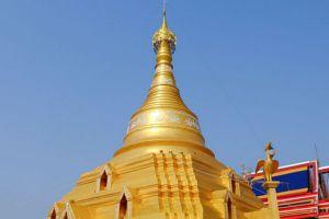 Wat-Phra-Borommathat-Chediyaram-Kamphaengphet-Thailand-06.jpg
