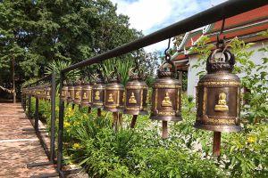 Wat-Phra-Borommathat-Worawihan-Chainat-Thailand-05.jpg