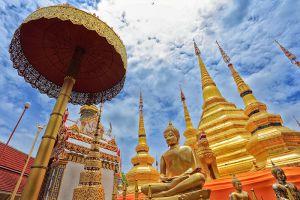 Wat-Phra-Boromthat-Tak-Thailand-002.jpg