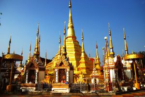 Wat-Phra-Boromthat-Tak-Thailand-003.jpg