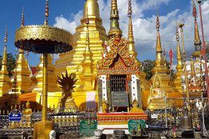Wat-Phra-Boromthat-Tak-Thailand-004.jpg