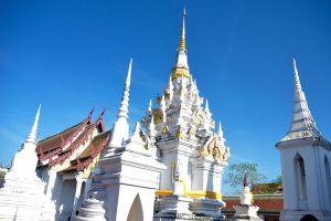 Wat-Phra-Boromthat-Tak-Thailand-007.jpg
