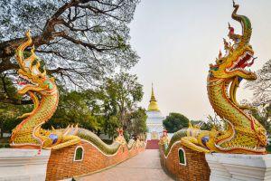 Wat-Phra-Kaeo-Don-Tao-Lampang-Thailand-002.jpg