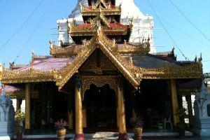 Wat-Phra-Kaeo-Don-Tao-Lampang-Thailand-003.jpg
