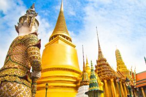 Wat-Phra-Kaew-Bangkok-Thailand-002.jpg