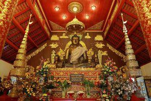 Wat-Phra-Kaew-Chiang-Rai-Thailand-01.jpg
