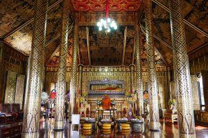 Wat-Phra-Khao-Ayutthaya-Thailand-01.jpg