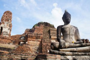 Wat-Phra-Mahathat-Ayutthaya-Thailand-001.jpg