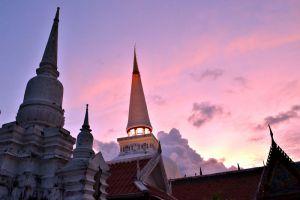 Wat-Phra-Mahathat-Woramahawihan-Nakhon-Si-Thammarat-Thailand-003.jpg