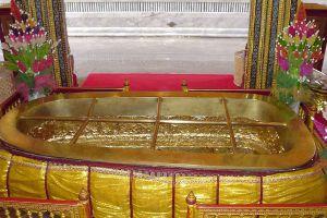 Wat-Phra-Phutthabat-Saraburi-Thailand-03.jpg