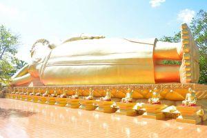 Wat-Phra-Prang-Muni-Sing-Buri-Thailand-03.jpg