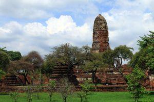 Wat-Phra-Ram-Ayutthaya-Thailand-02.jpg