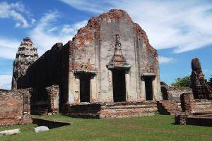 Wat-Phra-Si-Rattana-Mahathat-Lopburi-Thailand-06.jpg
