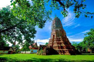Wat-Phra-Si-Rattana-Mahathat-Suphan-Buri-Thailand-01.jpg
