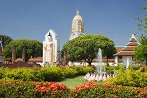 Wat-Phra-Si-Rattana-Mahathat-Woramahawihan-Phitsanulok-Thailand-001.jpg