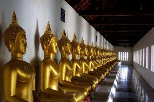 Wat-Phra-Si-Rattana-Mahathat-Woramahawihan-Phitsanulok-Thailand-002.jpg
