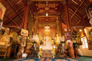 Wat-Phra-Sing-Chiang-Rai-Thailand-001.jpg