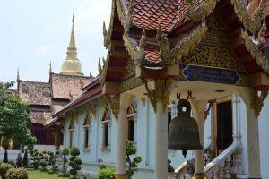 Wat-Phra-Singh-Chiang-Mai-Thailand-003.jpg