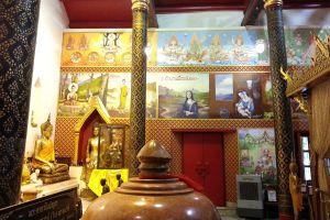 Wat-Phra-Thaen-Si-La-At-Uttaradit-Thailand-04.jpg