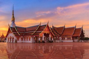 Wat-Phra-That-Choeng-Chum-Worawihan-Sakon-Nakhon-Thailand-01.jpg