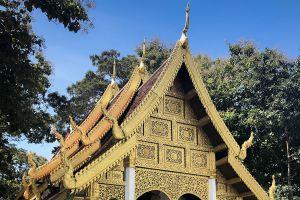 Wat-Phra-That-Chom-Kitti-Chiang-Rai-Thailand-02.jpg