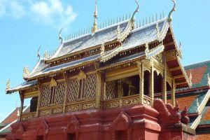 Wat-Phra-That-Hariphunchai-Lamphun-Thailand-002.jpg