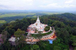 Wat-Phra-That-Pha-Ngao-Chiang-Rai-Thailand-03.jpg