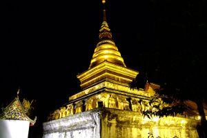 Wat-Phrathat-Chang-Kham-Worawihan-Nan-Thailand-003.jpg
