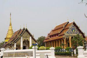 Wat-Phrathat-Chang-Kham-Worawihan-Nan-Thailand-005.jpg