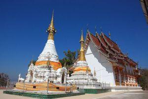 Wat-Phrathat-Chom-Chaeng-Mae-Hong-Son-Thailand-06.jpg