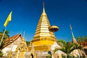 Wat-Phrathat-Chom-Chaeng-Phrae-Thailand-01.jpg