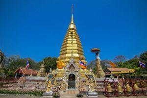 Wat-Phrathat-Chom-Chaeng-Phrae-Thailand-04.jpg