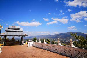 Wat-Phrathat-Chom-Kitti-Mae-Hong-Son-Thailand-05.jpg
