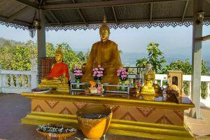 Wat-Phrathat-Chom-Kitti-Mae-Hong-Son-Thailand-06.jpg