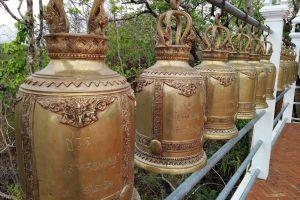 Wat-Phrathat-Chom-Mon-Mae-Hong-Son-Thailand-04.jpg