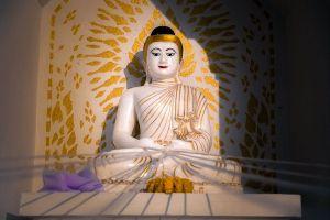 Wat-Phrathat-Chom-Mon-Mae-Hong-Son-Thailand-07.jpg
