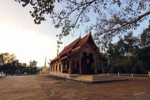 Wat-Phrathat-Chom-Tong-Mae-Hong-Son-Thailand-03.jpg