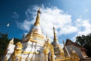 Wat-Phrathat-Chom-Tong-Mae-Hong-Son-Thailand-05.jpg