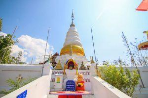 Wat-Phrathat-Doi-Leng-Phrae-Thailand-02.jpg