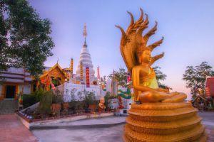 Wat-Phrathat-Doi-Leng-Phrae-Thailand-06.jpg
