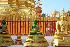 Wat-Phrathat-Doi-Suthep-Chiang-Mai-Thailand-002.jpg