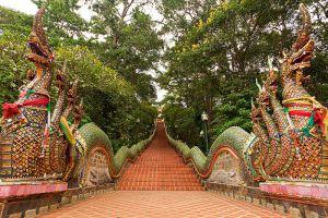 Wat-Phrathat-Doi-Suthep-Chiang-Mai-Thailand-005.jpg