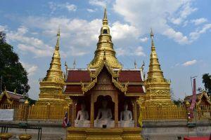 Wat-Phrathat-Ha-Duang-Lamphun-Thailand-02.jpg