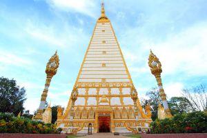 Wat-Phrathat-Nong-Bua-Ubon-Ratchathani-Thailand-01.jpg